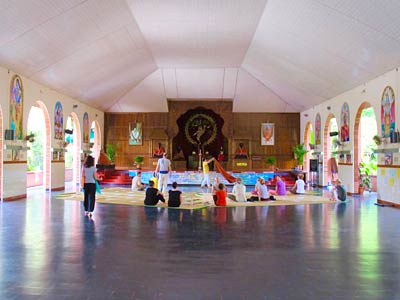 India yoga retreat - Sivananda Yoga Ashram